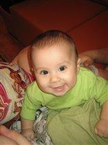 Мне сегодня 6 месяцев. И у меня вылез первый зуб!!!!