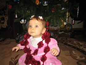 Принцесса в новогодних бусах