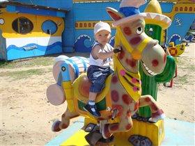 я люблю свою лошадку...;)