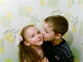 Настенька с Димочкой-братик с сестричкой