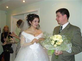Это я кольцо мужу одеваю