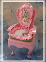 Кресло для кукол-барышень.