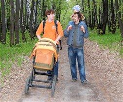 С папами даже в лесу не страшно!