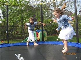 Сашка и Алиска - май 2009