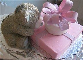 Торт мишка Тедди с коробками