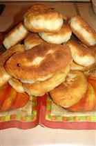 пирожки с луком-пореем, яйцом и опятами жареные