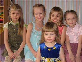 Ева с подружками отмечает 6 лет!