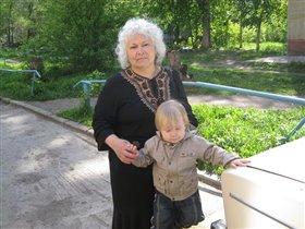 Богдашка с любимой Бабушкой
