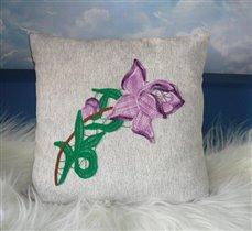 Подушка с фиолетовой розой
