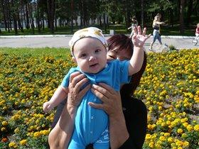 ПРИВЕТ! с бабушкой на прогулке