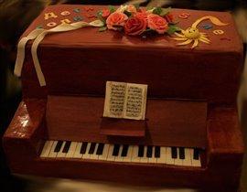 Торт 'Пианино'