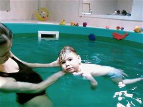 Кто как, а мы в бассейне!