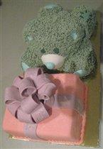 Торт мишка Тедди с подарком