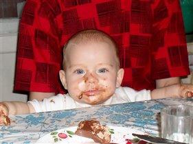Костя кушал шоколад...