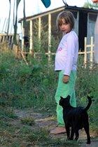 Ульянка со своей личной мини-пантерой