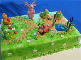 Торт Лунтик и друзья на поляне.