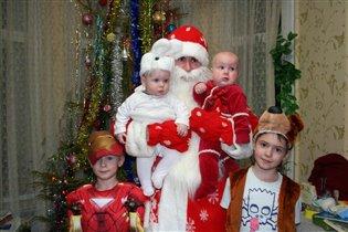 Дед Мороз в готях:)