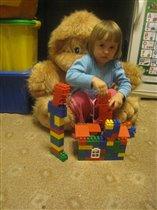 Яна строит дом!