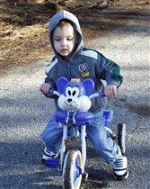 Юрчик- велосипедист!
