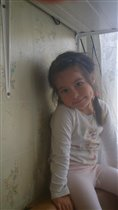 моя доченька  Дарья  3  года