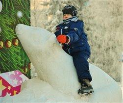 Юный полярник.....за бортом  - 40 градусов мороза