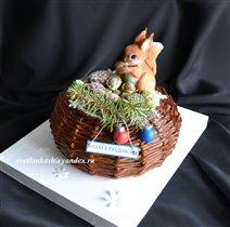 Торт Белочка в лукошке