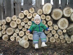 уборка дров на свежем воздухе!