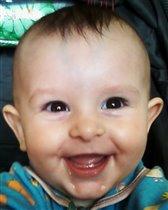 вот он - первый зуб!