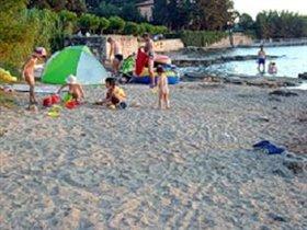 Песчаный пляж в п.Савудрии, 8 км от Умага