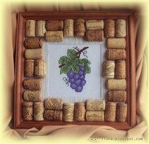 Виноград в винной рамке