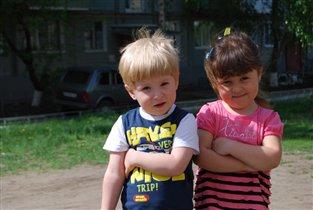 С двоюродной сестренкой