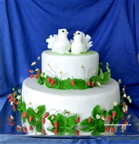 Торт Голубки в земляничке