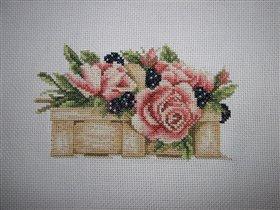 Цветы и ягоды в корзинке Lanarte (11101)