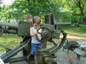 Пушки - детям игрушки