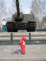 Да-а-а, в такой танк не поиграешь.....