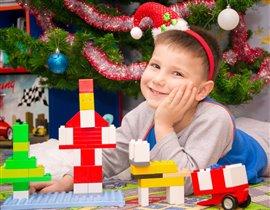 С Лего ёлку украшаю! С Лего Новый год встречаю!