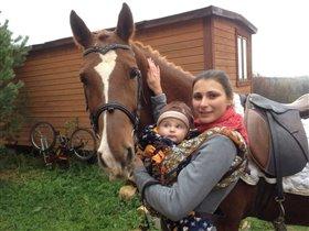 Дима и его любимая лошадка Кантик