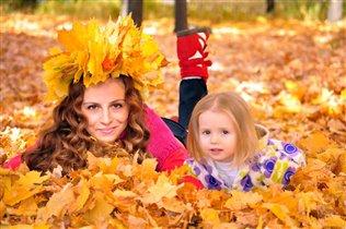Осенняя прогулка с доченькой