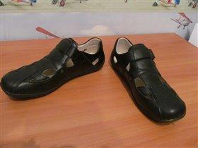 Сандали-ботинки черные р.37,5