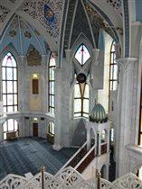 Внутреннее убранство молельного зала