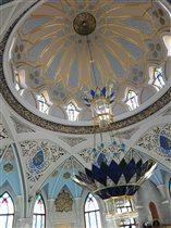 Центральная люстра в мечети Кул Шариф