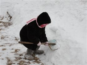 Всюду снег, в снегу дома - привезла его зима!