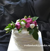 Торт С букетом цветов
