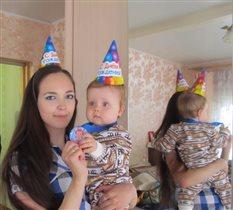 Сашенька с мамой. Нам 1 годик!
