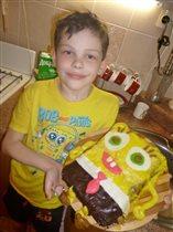 Сам испёк торт Спанч Боб!