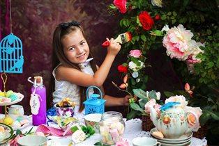 Алиса в стране чудес!Безумное чаепитие))))