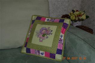подушка в интерьере