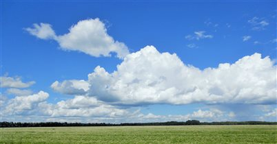 'Лениво и тяжко плывут облака...'