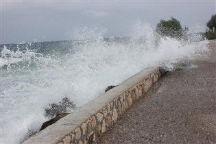 Море волнуется - раз, море волнуется-два....
