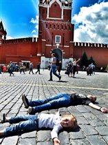 Загораем на Красной площади)